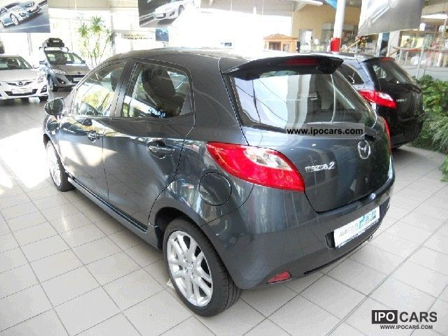 2012 mazda 2 sports line in stock car photo and specs. Black Bedroom Furniture Sets. Home Design Ideas