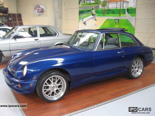 1971 MG  GT \ Sports car/Coupe Used vehicle photo