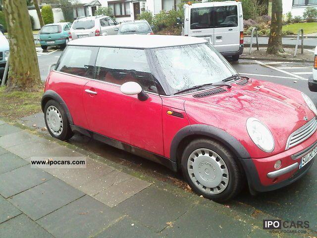 2001 MINI  Mini Cooper Small Car Used vehicle photo