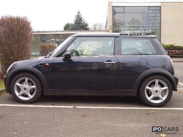 2005 MINI  Mini Aut. Small Car Used vehicle photo