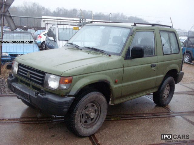 1993 Mitsubishi  Pajero 2500 TD/Euro2/AHK Off-road Vehicle/Pickup Truck Used vehicle photo