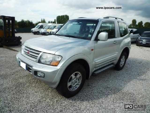 2002 Mitsubishi  16V Pajero 3.2 DI-D 3p. GLX Estate Car Used vehicle photo