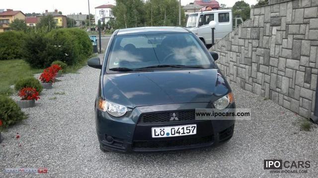 2009 Mitsubishi  Colt Small Car Used vehicle photo