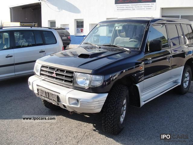 2002 Mitsubishi  Pajero 2.5 TD Classic Off-road Vehicle/Pickup Truck Used vehicle photo