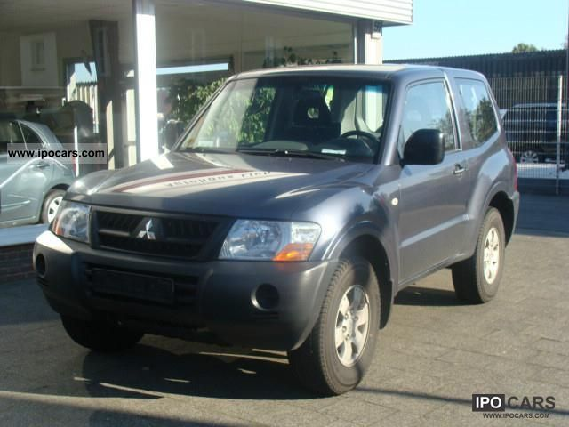 2006 Mitsubishi  Pajero 3.2 DI-D Classic Off-road Vehicle/Pickup Truck Used vehicle photo