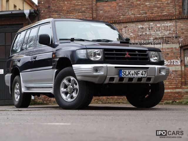 2004 Mitsubishi  Pajero_2, 5TD_TÜV01/2014_KLIMA_7SITZER_2.HAND_TOP Off-road Vehicle/Pickup Truck Used vehicle photo