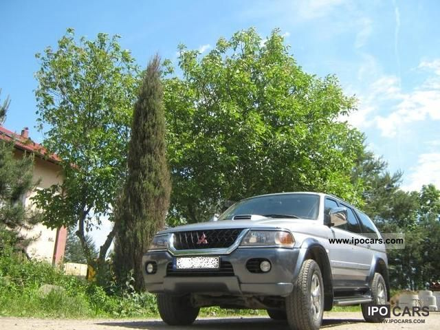 2005 Mitsubishi  Pajero 2.5 TDI Off-road Vehicle/Pickup Truck Used vehicle photo