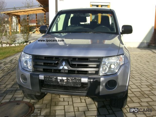 2007 Mitsubishi  Pajero 3.2 DI-D Auto, 125KW, incl.19% VAT. Off-road Vehicle/Pickup Truck Used vehicle photo