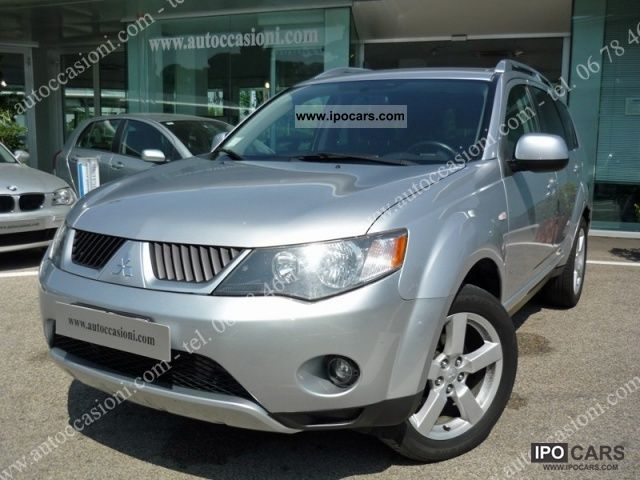 2009 Mitsubishi  Outlander 2.0 DI-D Instyle 7 p.ti DPF Other Used vehicle photo