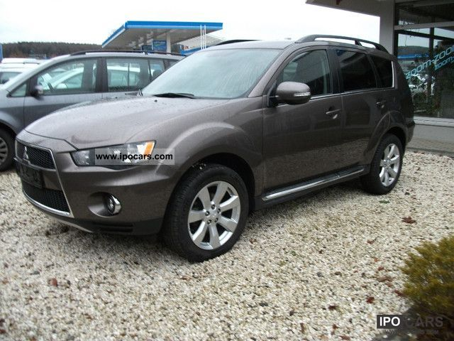 2011 Mitsubishi  Outlander 2.2 DI-D 2WD ClearTec Edition Limousine Used vehicle photo