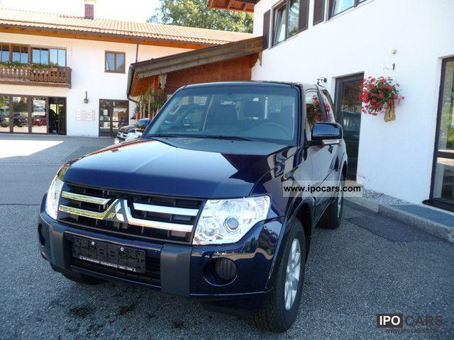 2011 Mitsubishi  Pajero 3.2 DI-D Invite Off-road Vehicle/Pickup Truck Demonstration Vehicle photo