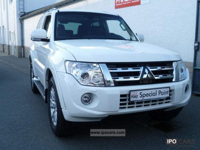 2011 mitsubishi pajero 3 2 di d instyle 3 door automatic leather car photo and specs. Black Bedroom Furniture Sets. Home Design Ideas