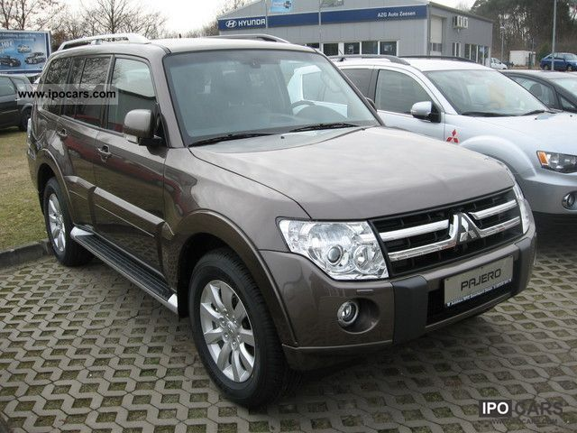 2011 mitsubishi pajero 4wd fully equipped instyle aut car photo and specs. Black Bedroom Furniture Sets. Home Design Ideas
