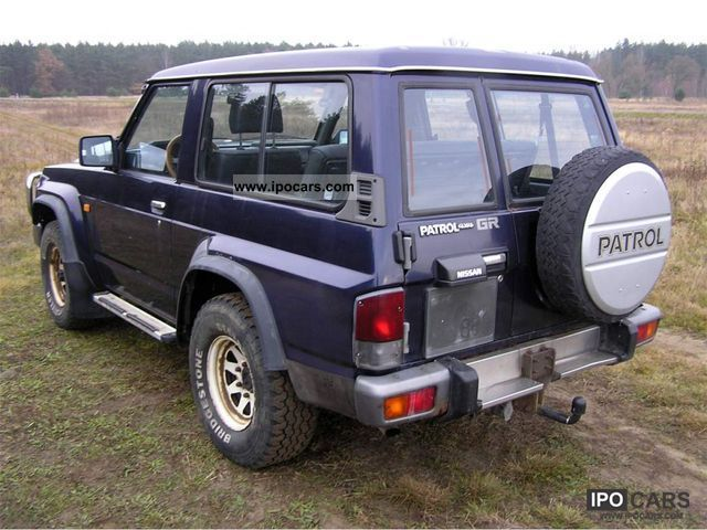 1993 nissan patrol 2 8 td 4x4 car photo and specs. Black Bedroom Furniture Sets. Home Design Ideas