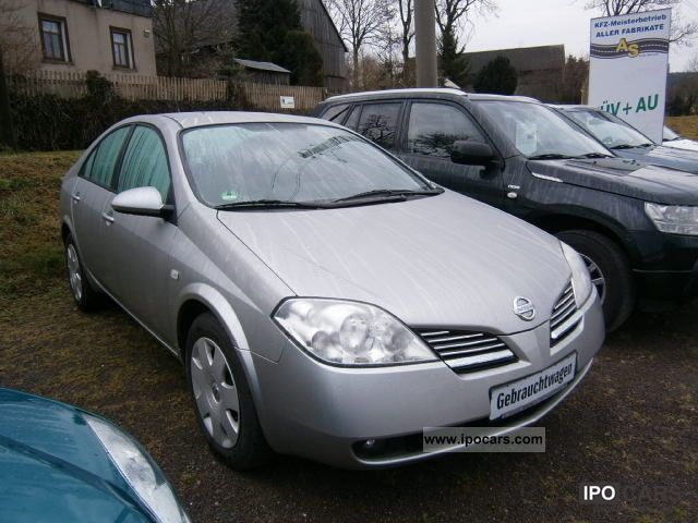 2004 Nissan  2.0 with 6 speed gearbox and rear view camera Limousine Used vehicle photo