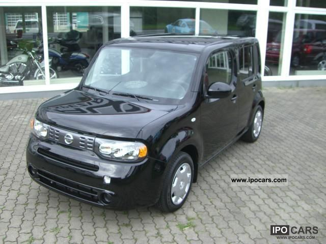 2010 Nissan  Cube CVT automatic and leather Estate Car Used vehicle photo