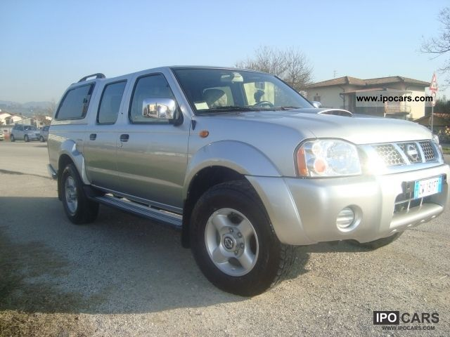 2004 nissan navara double cab hard top car photo and specs. Black Bedroom Furniture Sets. Home Design Ideas
