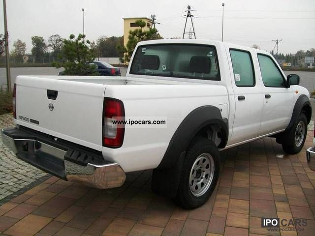 2011 Nissan Cab Pickup NP 300 Doble 133km - Car Photo and Specs