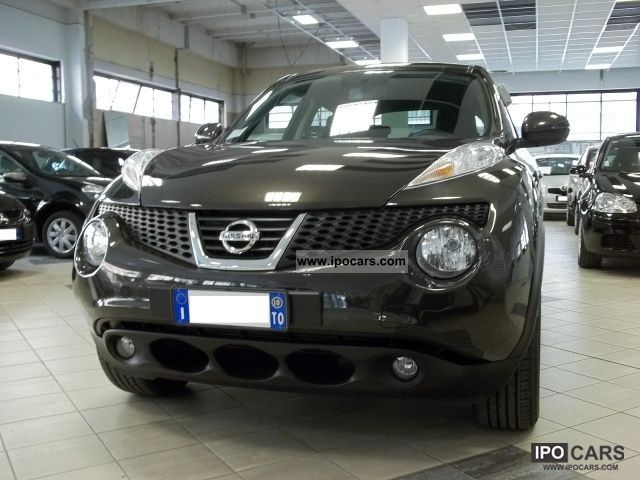 2010 Nissan  Juke Acenta Sport Pack Limousine Used vehicle photo