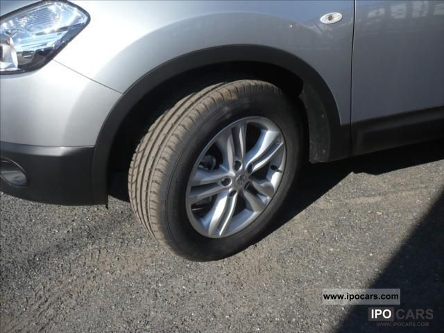 2012 nissan qashqai 1 5 dci 110 connect edition car photo and specs. Black Bedroom Furniture Sets. Home Design Ideas