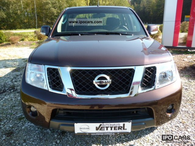 2011 Nissan Navara 2.5 dCi Double Cab SE Off-road Vehicle/Pickup Truck
