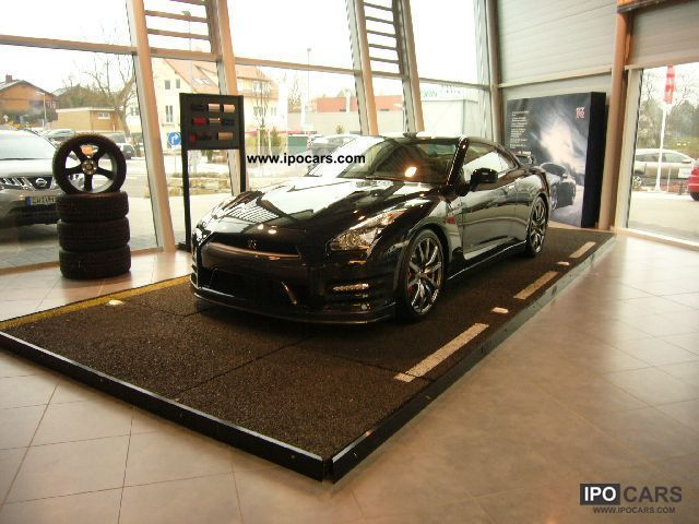 2012 Nissan  GT-R 3.8 V6 Black Edition Sports car/Coupe Used vehicle photo