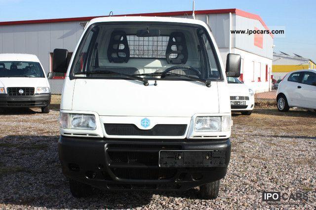 Piaggio Porter 1 Hand flatbed diesel Estate Car Used vehicle photo 2