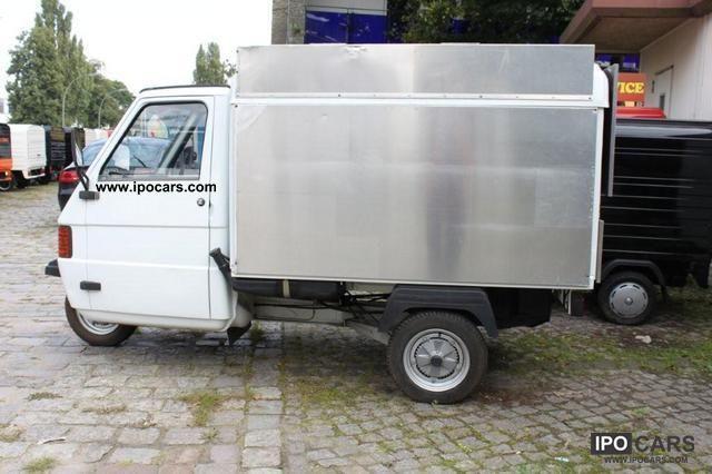 2006 Piaggio  APE TM 703 box used. white / plate set Estate Car Used vehicle photo