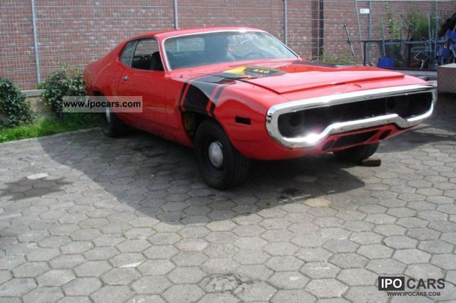 1971 Plymouth Satellite 4 Door http://ipocars.com/vinfo/plymouth/satellite_440-1971.html