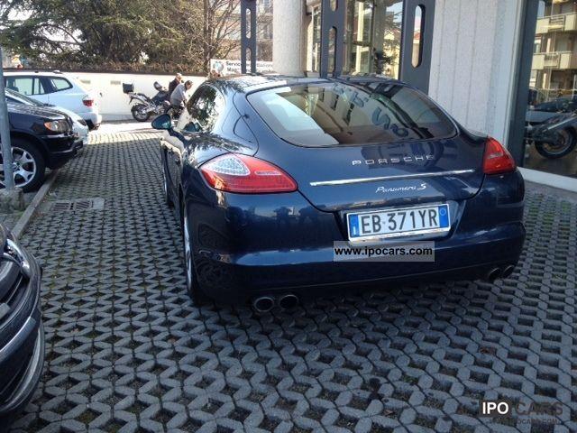 2010 Porsche Panamera S PDK Limousine Used vehicle photo 1