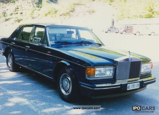1988 rolls royce silver spirit car photo and specs. Black Bedroom Furniture Sets. Home Design Ideas