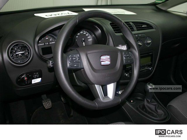 2011 seat leon 1 6 tdi cr 105 car photo and specs. Black Bedroom Furniture Sets. Home Design Ideas