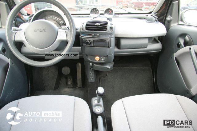 2011 smart fortwo front seats manufacturer interior auto design tech. Black Bedroom Furniture Sets. Home Design Ideas