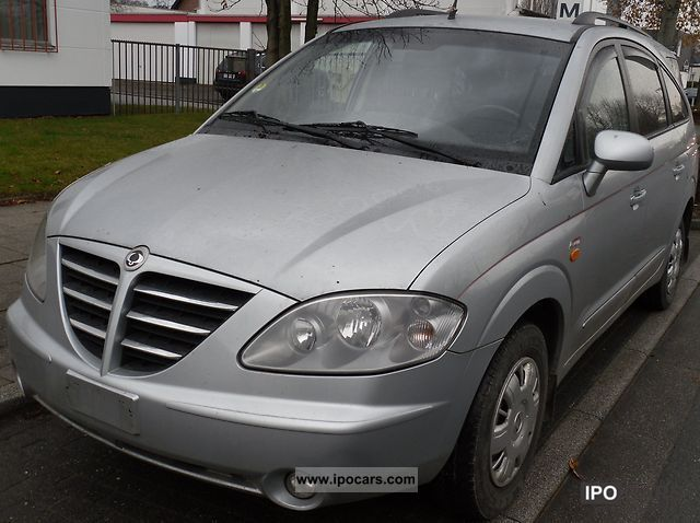 2006 Ssangyong  Rodius Estate Car Used vehicle photo