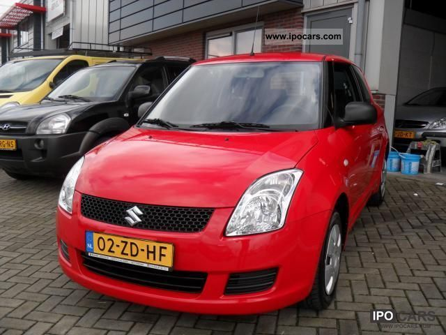 2007 Suzuki  Swift 1.3 Base Small Car Used vehicle photo