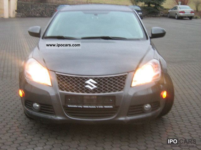 2011 Suzuki  Kizashi 4.2 4x4 CVT TOP CONDITION. Limousine Used vehicle photo