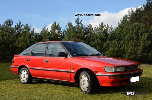 1989 Toyota  Corolla 1.6 automatic cat, Limousine Used vehicle photo