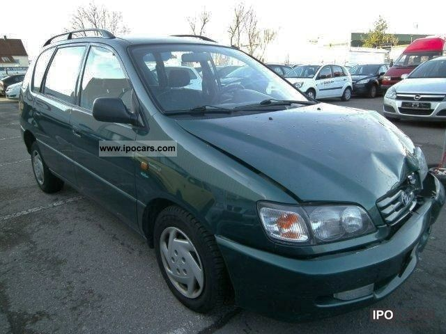 1998 Toyota  Picnic 2.0i, Climate, 7 - Seats Van / Minibus Used vehicle photo