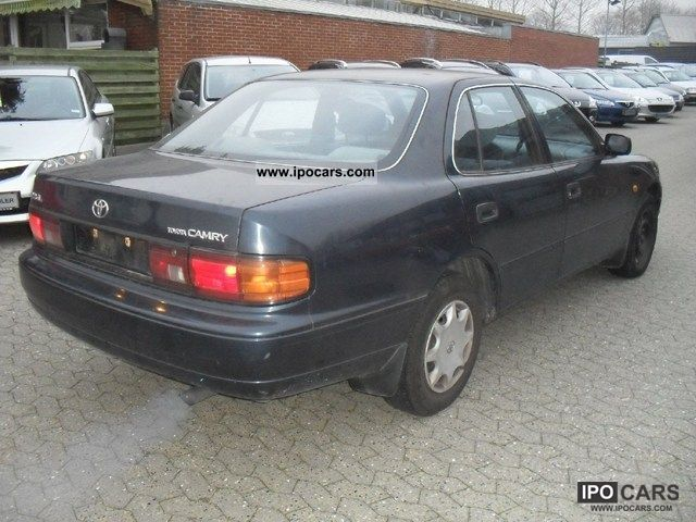 1993 toyota camry 2 2 gl aut car photo and specs. Black Bedroom Furniture Sets. Home Design Ideas