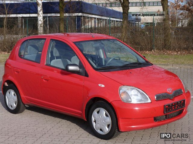 2001 toyota yaris 1 3 car photo and specs. Black Bedroom Furniture Sets. Home Design Ideas