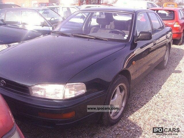 1992 toyota camry 2 2 xli car photo and specs. Black Bedroom Furniture Sets. Home Design Ideas