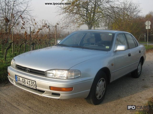 1992 toyota camry 2 2 gl automatic car photo and specs. Black Bedroom Furniture Sets. Home Design Ideas
