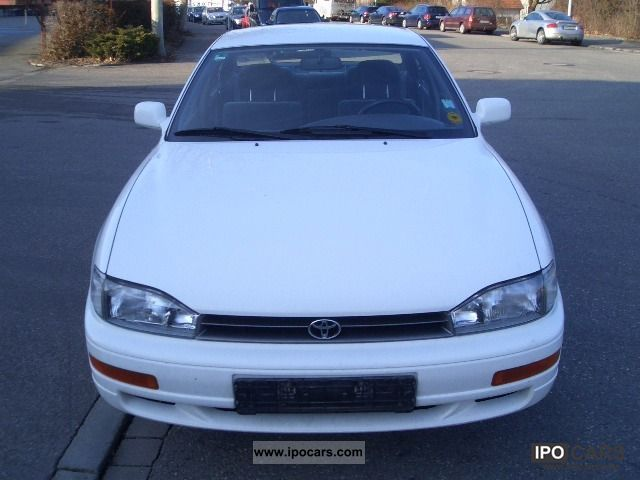 1992 toyota camry 2 2 gl car photo and specs. Black Bedroom Furniture Sets. Home Design Ideas