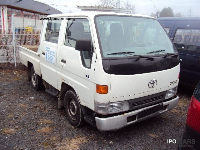 2001 toyota dyna 100 pick 4 doors car photo and specs. Black Bedroom Furniture Sets. Home Design Ideas