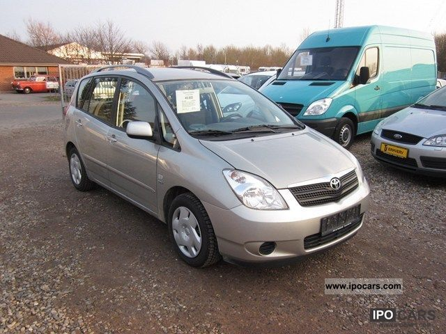 2003 Toyota  1.8 Terra CombiVan Van / Minibus Used vehicle photo