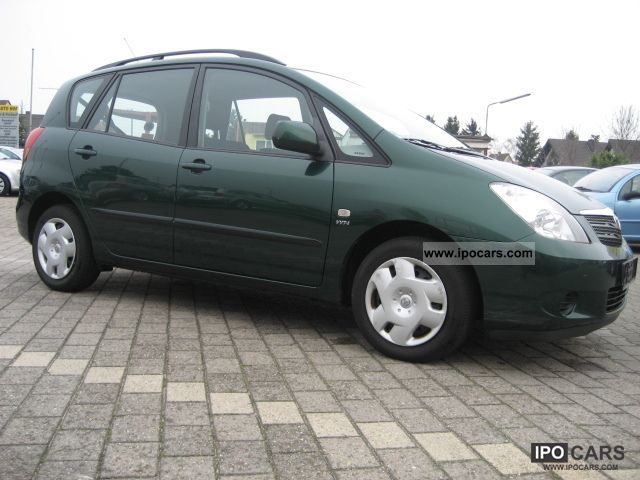 2002 toyota corolla verso 1 6 car photo and specs. Black Bedroom Furniture Sets. Home Design Ideas