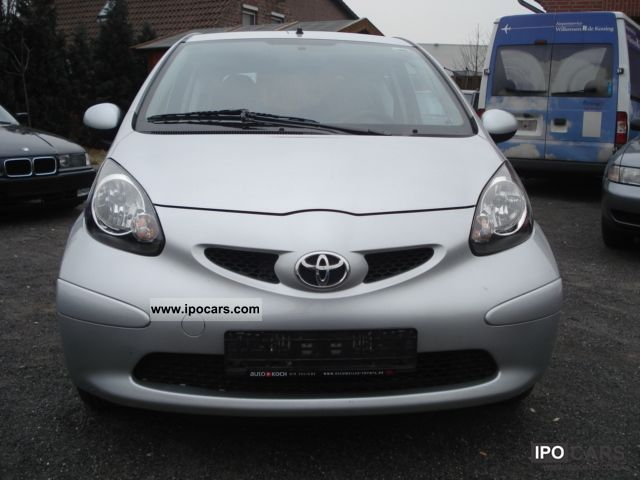 2008 toyota aygo city car photo and specs. Black Bedroom Furniture Sets. Home Design Ideas