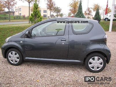 2009 Toyota  1.0 VVT-i AIR Cool Small Car Used vehicle photo