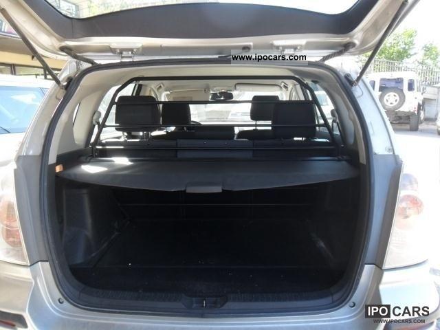 2006 toyota corolla verso 2200 sol 5 porte autocarro car photo and specs. Black Bedroom Furniture Sets. Home Design Ideas
