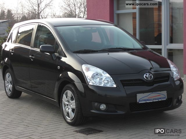 2008 toyota corolla verso 2 2 d 4d car photo and specs. Black Bedroom Furniture Sets. Home Design Ideas